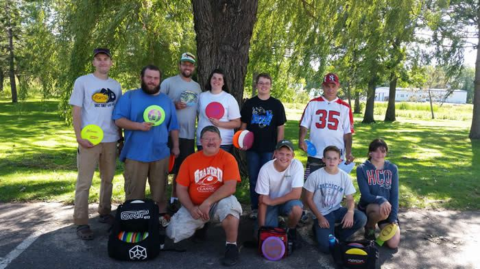 Group photo of the 2014 Disc Golf Tournament competitors.